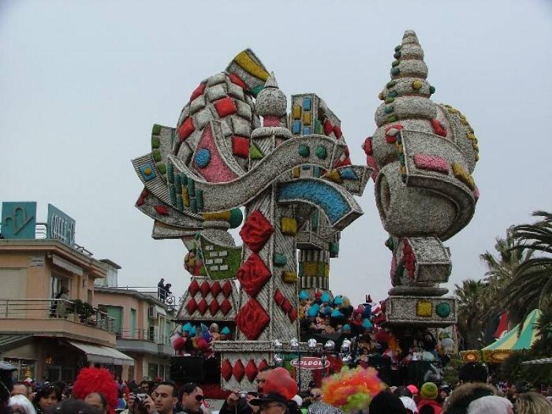 carnevale di viareggio 2010